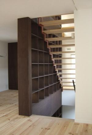 階段書庫1