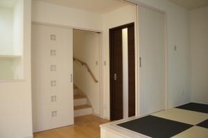 リビング階段引き戸